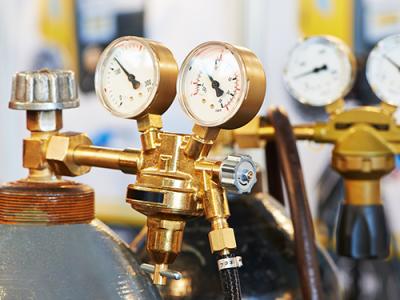 Refrigeração doméstica e comercial leve: entenda como é feita a escolha dos fluidos refrigerantes